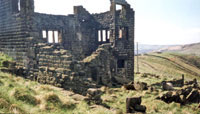 Photo5: Ruins of Intake Farm in Thorns Clough.